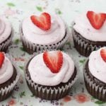 Easy Chocolate Cupcakes by yummytoddlerfood